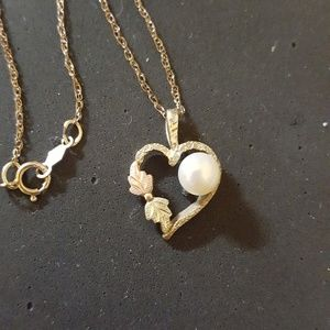 Black Hills Gold necklace with Pearl